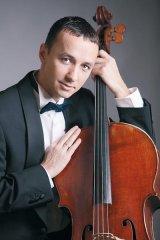 """Violoncelistul RAZVAN SUMA - """"Provin dintr-o familie in care toata lumea se ocupa de muzica"""""""