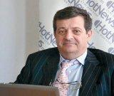 """CRISTIAN SIMA - """"Ultimul bastion al garanţiilor pe care România le poate pune pe masă în faţa investitorilor străini e Mugur Isărescu"""""""