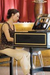 Toamnă pe clape de clavecin - RALUCA ENEA