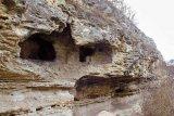 Pe urmele primilor creştini din Dobrogea - Mânăstirea rupestră de la Canaraua Fetii