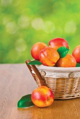 PIERSICILE - Sănătate şi frumuseţe la... kilogram