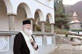 """Pr. Nifon de la Mânăstirea Prislop - """"Românii să se oprească de la păcat şi să înceapă o viaţă după voia lui Dumnezeu"""""""