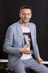 """ADRIAN BUGA - consultant pe probleme de artă - """"Sunt un căutător de aur. Îmi place să descopăr lucrări uitate"""""""