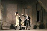 Lovitură de teatru, la final de stagiune teatrală bucureşteană: