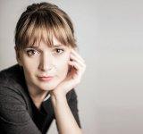 """ALINA AZARIO - """"România are mulţi artişti mari în ţară şi peste hotare. E o carte de vizită pe care am putea miza!"""""""