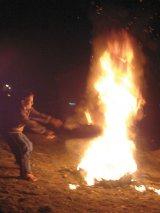 MEDICINĂ MAGICĂ: Focul care vindecă