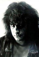 """CRISTI MINCULESCU: """"Pentru mine, rock-ul a fost şi rămâne totul"""""""
