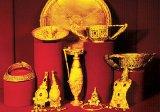 Un roman poliţist: Cloşca cu puii de aur