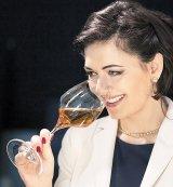 MARINELA VASILICA ARDELEAN - Prinţesa vinului şi regina şampaniei