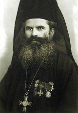 Părintele Nicodim Măndiţă, monahul răstignit între cărţi