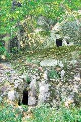 Biserica rupestră de la Aluniş