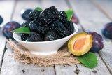 Din reţetele domnului farmacist Bobaru: Fructele toamnei - PRUNELE