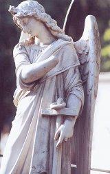 """""""Mormintele Vindecătoare"""" din cimitirul catolic"""
