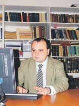 """Prof. dr. RADU CARP - """"Alegerile din România vor fi diferite de cele din Moldova şi Bulgaria"""""""