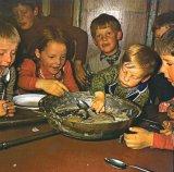 Amintiri din bucătăria copilăriei - La o ceaşcă de