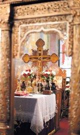 Părintele ADRIAN BELDIANU - parohul Bisericii Mihai Vodă din Bucureşti -