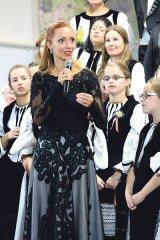 ANNA UNGUREANU - Dirijorul Corului Madrigal -
