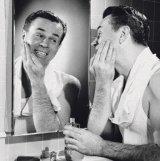 PAGINA PENTRU DOMNI - Lecţia de ras barba
