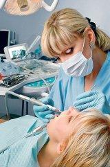 """Dr. MARIETA POPFIU - """"Dacă nu se tratează rapid, gingivita se transformă într-o parodontoză cu evoluţie cronică"""""""