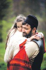 FRĂŢIA LUPILOR - Dacii s-au întors la Costeşti