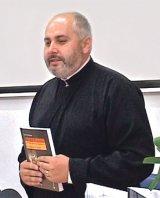Pr. MARIUS CUSTELCEAN -