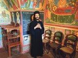 Călugărul dintre ape