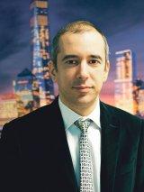 """Interviu cu prof. dr. Bogdan Glăvan, Universitatea Româno-Americană, Bucureşti - """"În momentul de faţă, statul are buzunarele rupte şi nu face faţă cheltuielilor fără să se împru"""