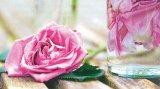 Mască de frumuseţe cu infuzie de trandafiri