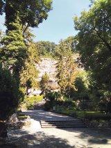 Alajda, mânăstirea vulturilor