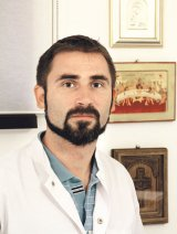 """SCOLIOZA şi CIFOZA - Dr. VASILE OŞEAN: """"Mergeţi la medic dacă observaţi o mică deformare a coloanei!"""""""