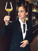 Călătorie într-un pahar cu vin - IULIA SCAVO -