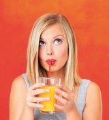 Cură de sănătate şi de slăbit: Sucurile de legume şi fructe