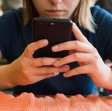 Efectul telefonului mobil asupra coloanei cervicale