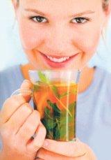 Din reţetele domnului farmacist Bobaru: Vitaminizarea cu plante medicinale