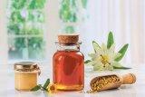 Produsul apicol care salvează vieţi: Lăptişorul de matcă în miere (2)