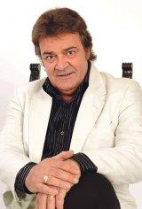 """ADRIAN ROMCESCU - """"După familie şi muzică, prietenia e cea de a treia valoare a vieţii mele"""""""