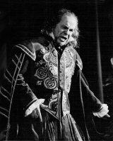 Baritonul Eduard Tumagian pe scena Operei Nationale din Bucuresti