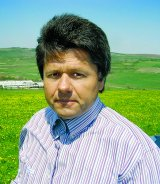 "Mihai Miron - ""Este trist ca in Romania raman nemuncite sute de mii de hectare de pamant clasa intai"""