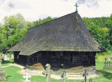 """""""Cea mai veche biserica de lemn din Europa, aflata la 200 metri de manastirea Putna, moare in tacere"""""""