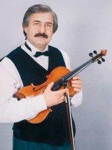 """Nicolae Botgros - Dirijorul orchestrei """"Lautarii"""" din Chisinau"""
