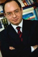 Lector dr. Bogdan Aurescu
