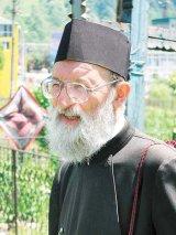 """Pr. Octavian Patrascu - """"Momarlanii sunt statornici pastratori ai traditiilor. Au o credinta vie si lucratoare"""""""