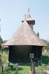 Un stravechi obicei al momarlanilor din Parang: Cimitirul din gradina casei