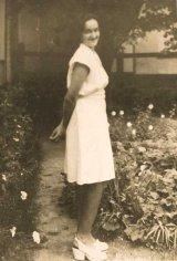 Pe urmele parintelui ARSENIE BOCA: Adolescentul din gradina cu flori