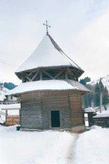 "Biserica ""scandurarilor"" hutuli din Ciumarna"