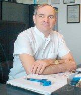 Prof. dr. ION SOCOTEANU -  Medic primar de chirurgie cardiovasculara, seful Clinicii de Chirurgie Cardiovasculara a Institutului de Boli Cardiovasculare din Timisoara