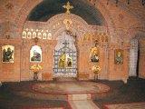 Pr. Vasile Bota - parohul bisericii
