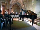 Muzica la castel - Acorduri clasice, in luna lui Prier