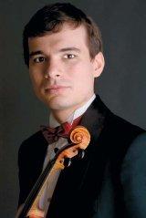 "ALEXANDRU TOMESCU - ""Mi s-ar parea foarte ciudata o viata in care sa nu pot canta la vioara"""