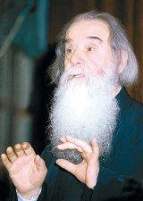 """Mari duhovnici - Parintele Galeriu: """"Eu nu sunt un om al apelor linistite. Sunt un om viforos"""""""
